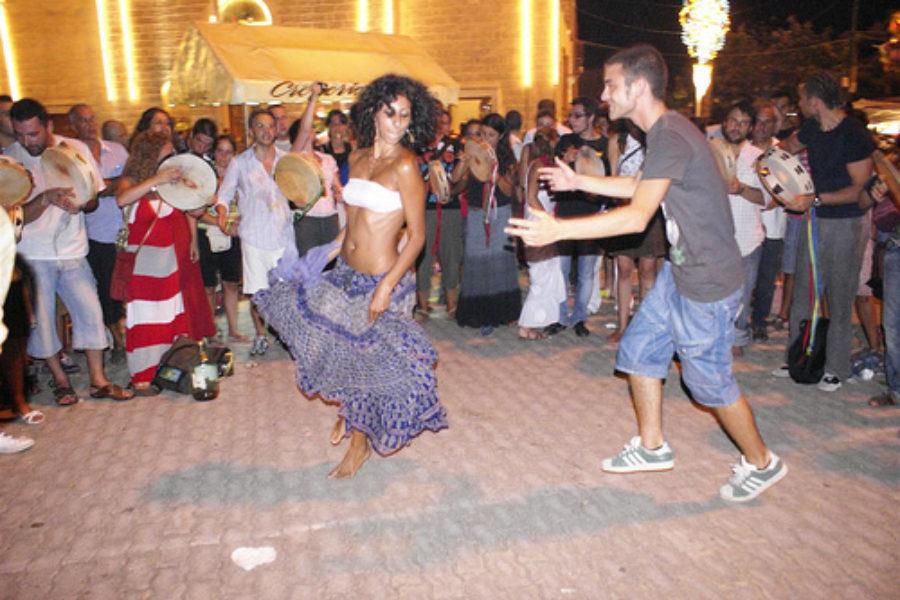 Tradizioni del Salento:La danza delle spade di Torre Paduli
